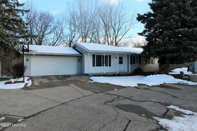 210 York View Nw Pl Comstock Park, MI 49321