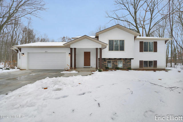 2615 Oak Branch  Allegan, MI 49010