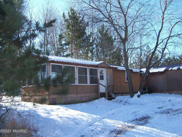 1443 Cutler Rd Blanchard, MI 49310