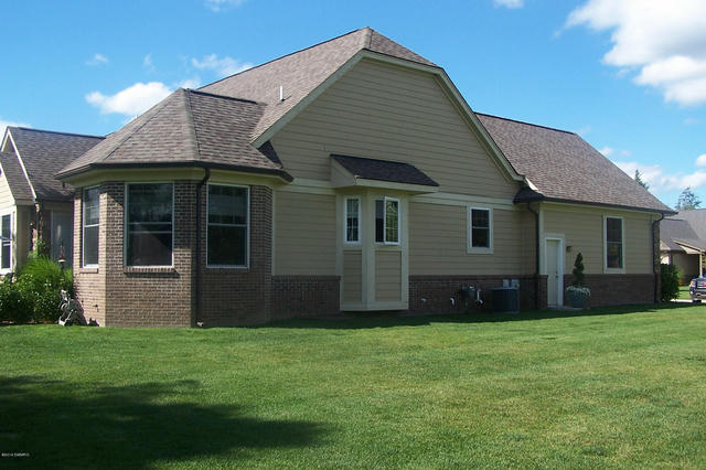 12109 Tullymore 5 Dr Stanwood, MI 49346
