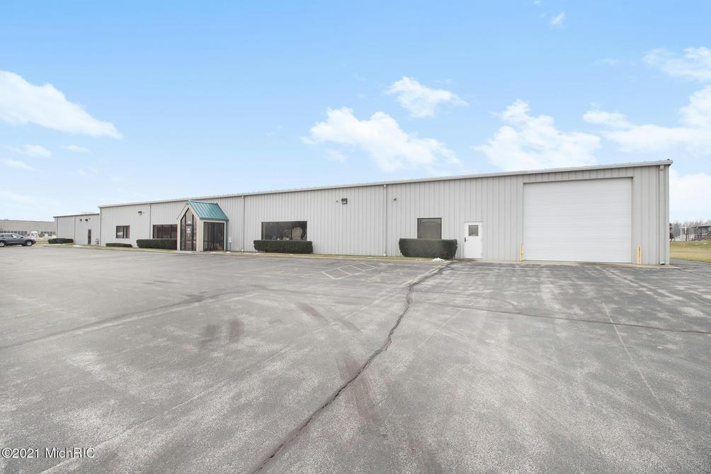 2390 Pipestone Rd Benton Harbor, MI 49022