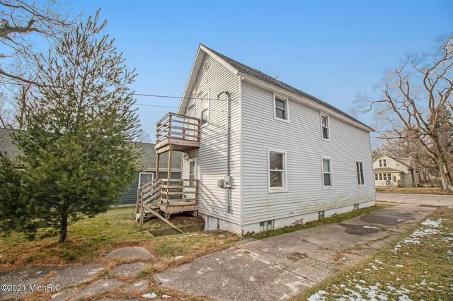 729 Columbus Ave Benton Harbor, MI 49022