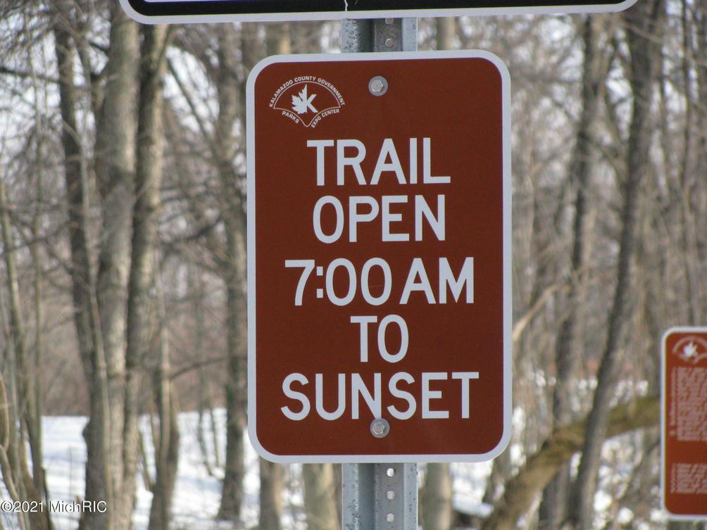 3370 Northfield 23 Trail Kalamazoo, MI 49009