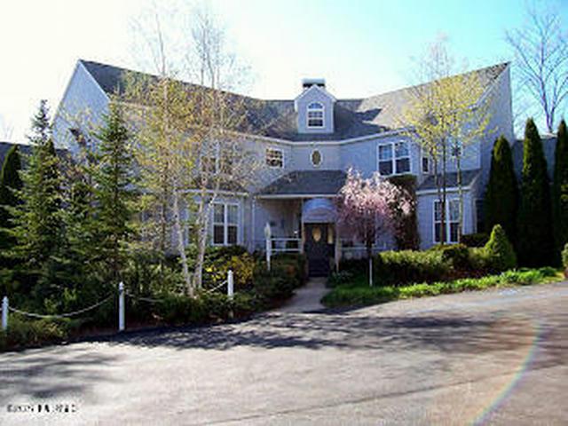 6767 Pleasantview Rd Harbor Springs, MI 49740