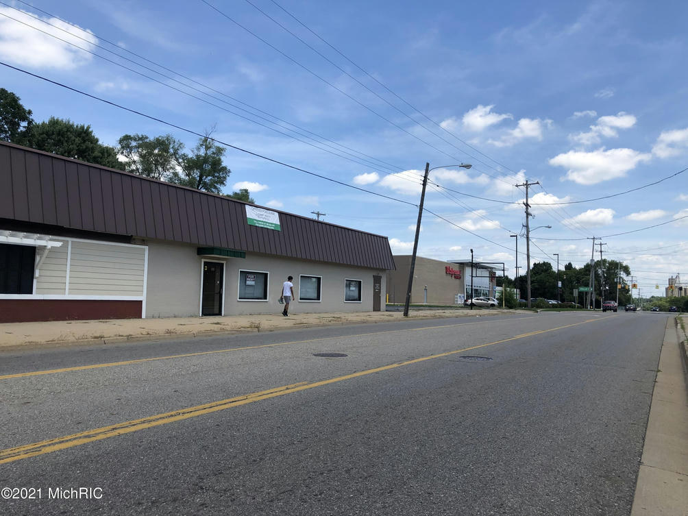 535 E Emmett St Battle Creek, MI 49017