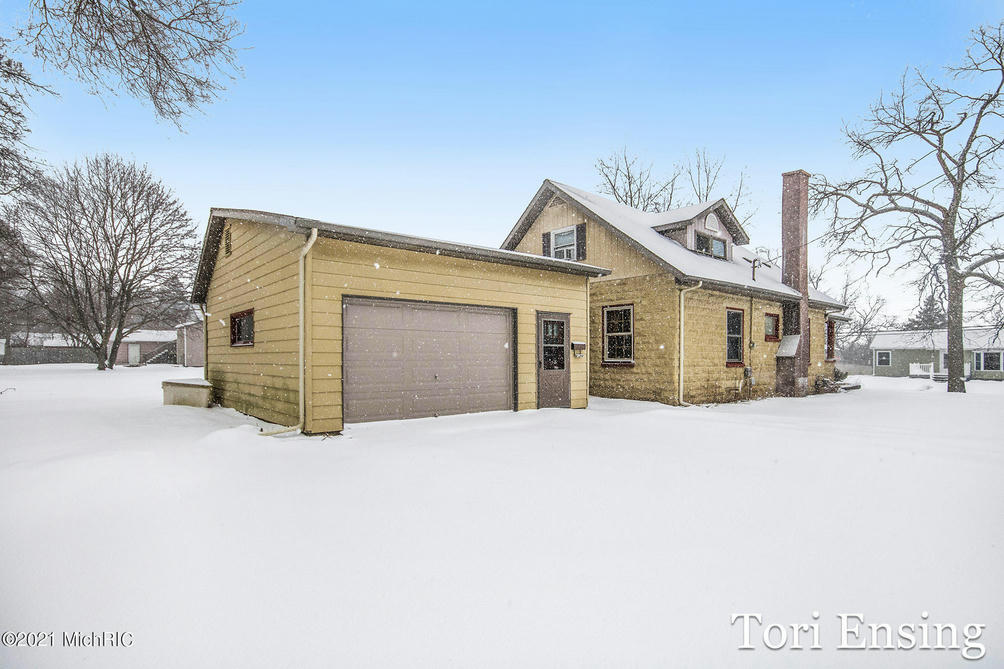 542 W May St Belding, MI 48809