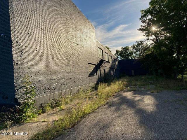 38 Kenosha St Battle Creek, MI 49014