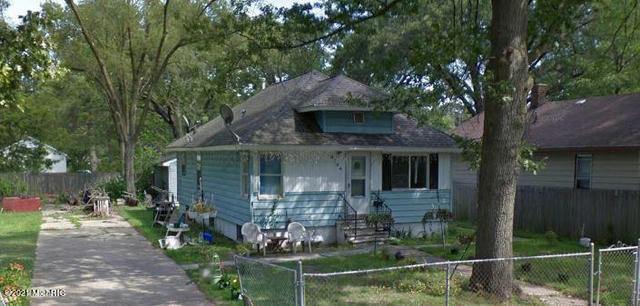 2124 8th St Muskegon Heights, MI 49444