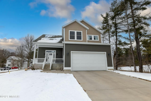 6635 Timberbrook Ct Norton Shores, MI 49444