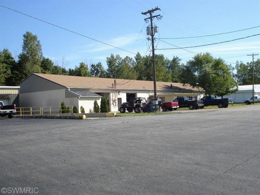 1117 Industrial Ct Benton Harbor, MI 49022