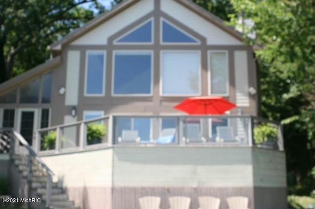 67849 Edgewater Beach Rd White Pigeon, MI 49099