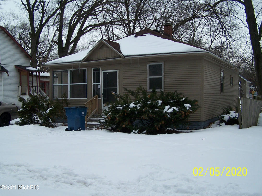 2924 8th St Muskegon Heights, MI 49444