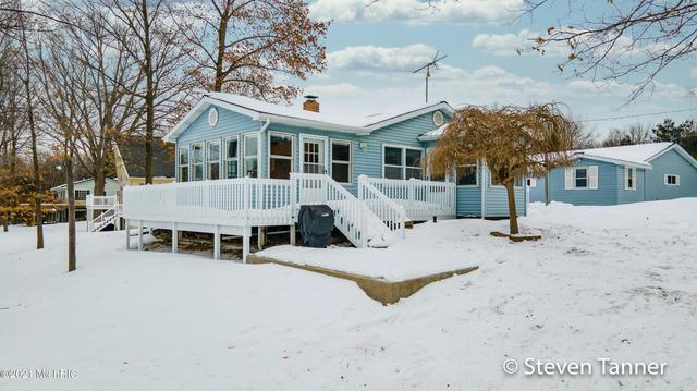 23801 Lake Dr Sears, MI 49679