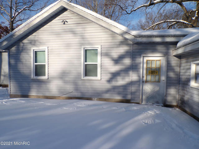 3376 Ninth St Muskegon Heights, MI 49444