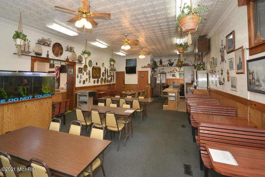 519 Mills St Kalamazoo, MI 49001