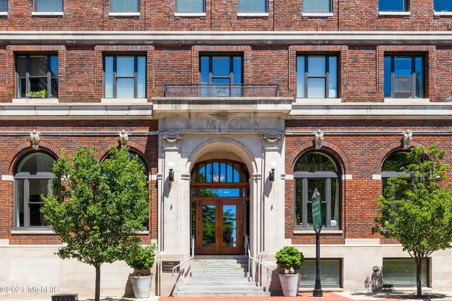 27 Library 804 Ne St Grand Rapids, MI 49503