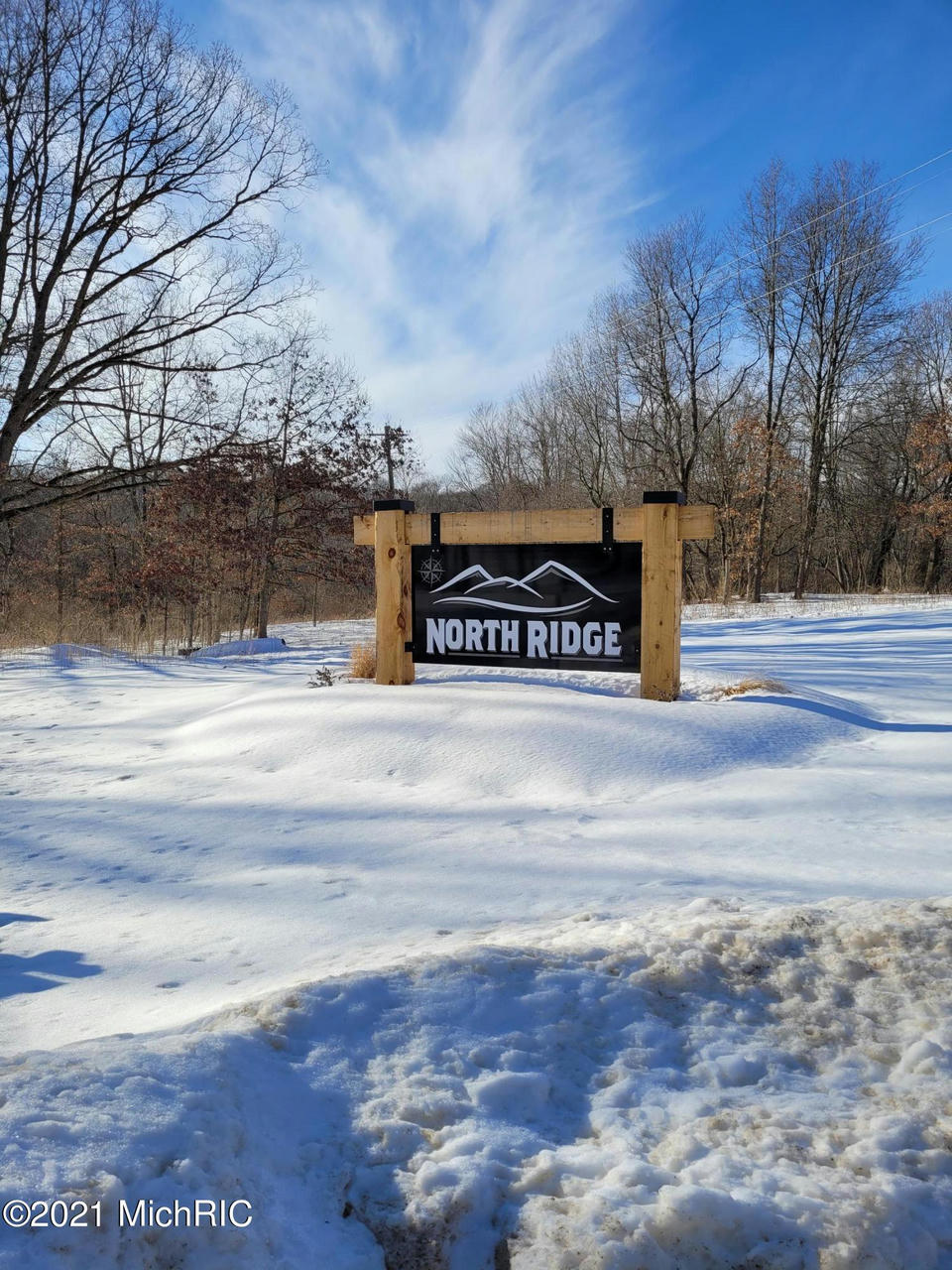North Ridge 9 Ct Middleville, MI 49333