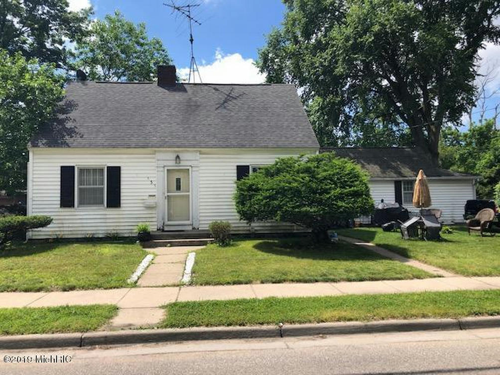 131 E Hackley Ave Muskegon Heights, MI 49444