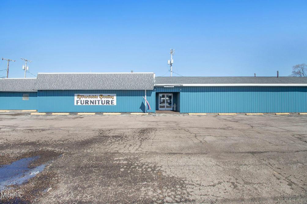 2295 M-139  Benton Harbor, MI 49022