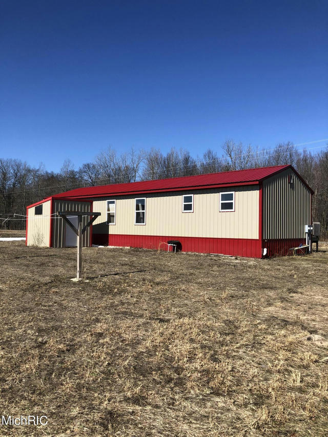 55331 16th Ave Grand Junction, MI 49056