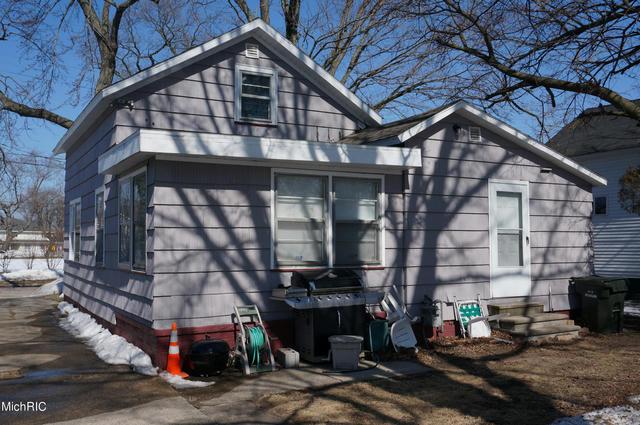 371 Oak Ave Muskegon, MI 49442