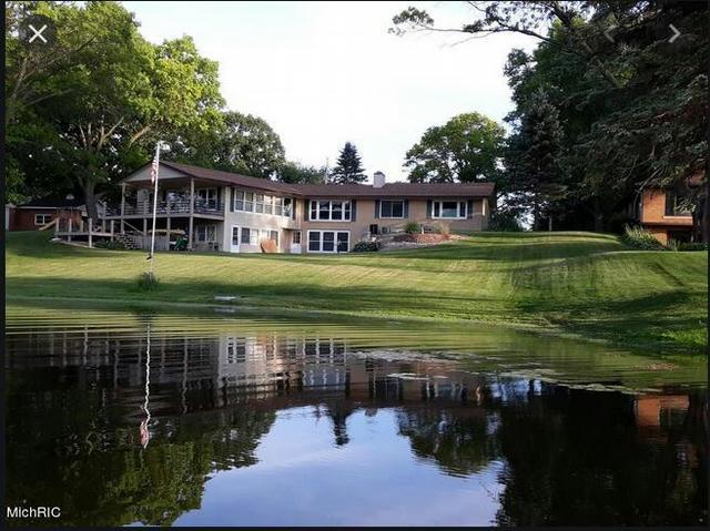 15489 Oak Dr Spring Lake, MI 49456