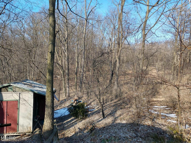 11 Morgan E Rd Battle Creek, MI 49017
