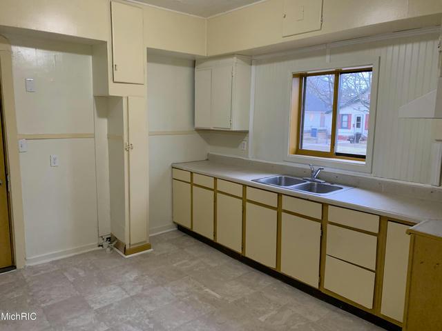 131 West Keating Ave Muskegon Heights, MI 49444