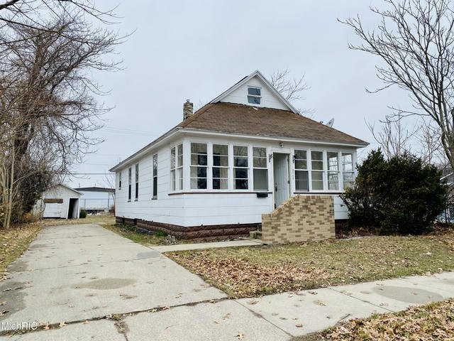 2717 7th St Muskegon Heights, MI 49444