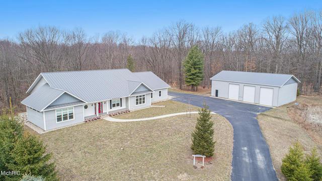 14137 Connor Farms Ne Ct Cedar Springs, MI 49319