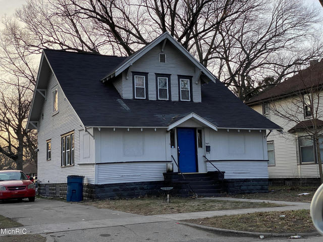 2921 5th St Muskegon Heights, MI 49444