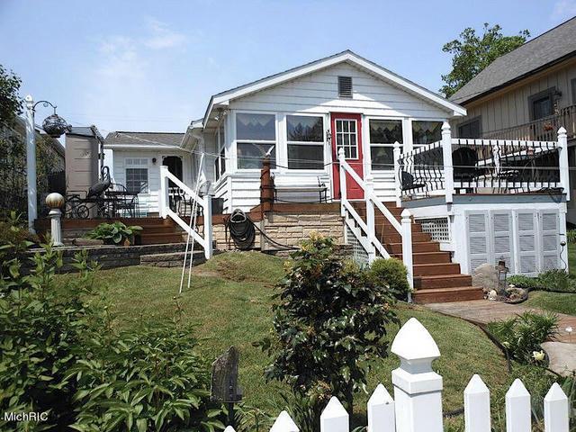 8198 Morrison Lake Gardens Saranac, MI 48881