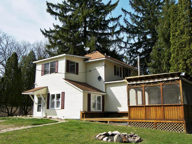 8890 Warren Woods Rd Lakeside, MI 49116