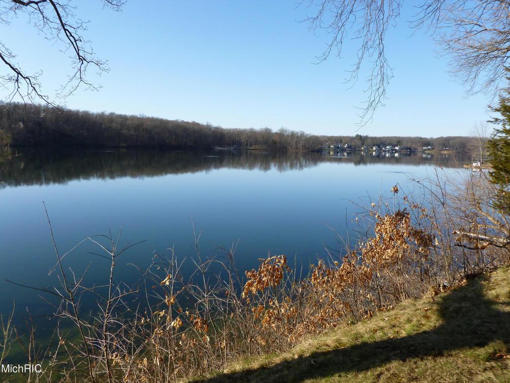 12542 N Sherman Lake Dr Augusta, MI 49012