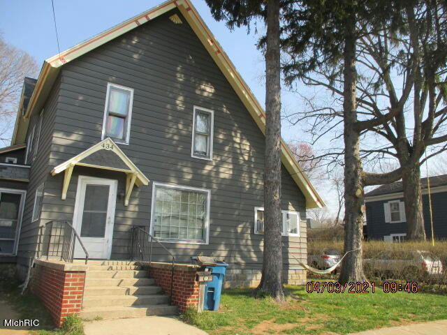 434 Trowbridge St Allegan, MI 49010