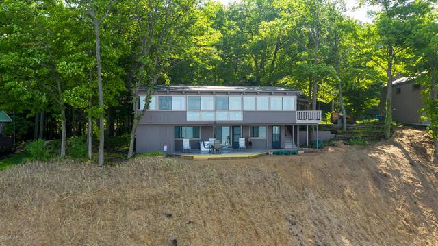 18243 N Shore Estates Rd Spring Lake, MI 49456