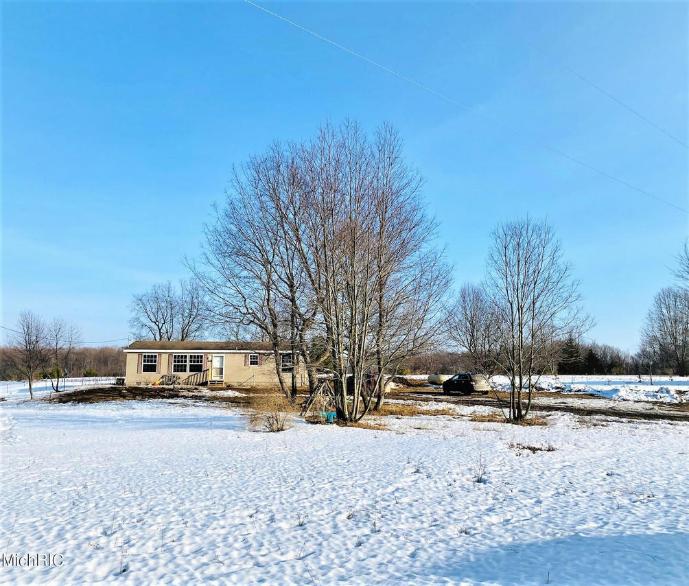 4458 Vista Valley Trail  Mesick, MI 49668