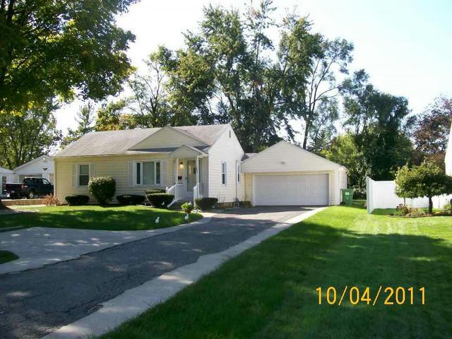 746 Riverside Dr Battle Creek, MI 49015
