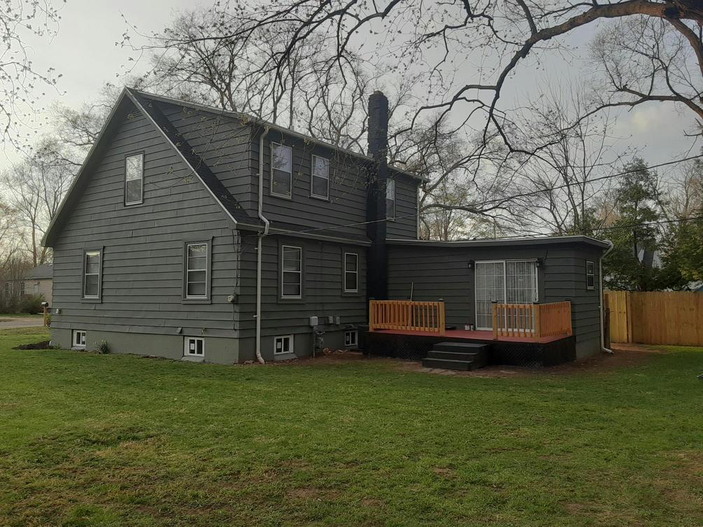 1331 Superior St Benton Harbor, MI 49022