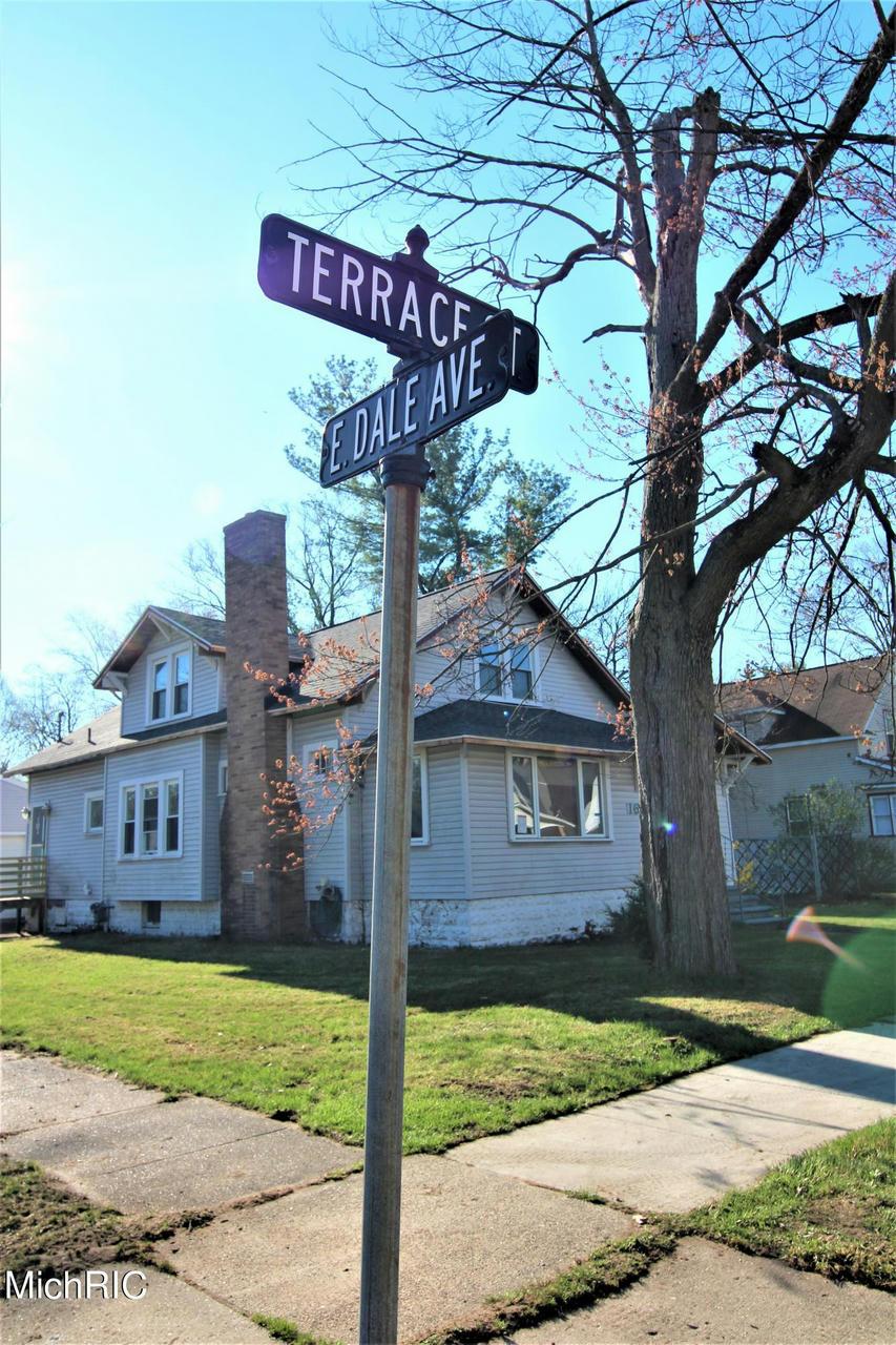 1676 Terrace St Muskegon, MI 49442