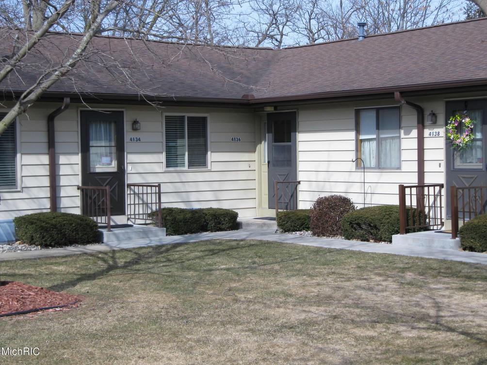 4936 Weston Ave Kalamazoo, MI 49006