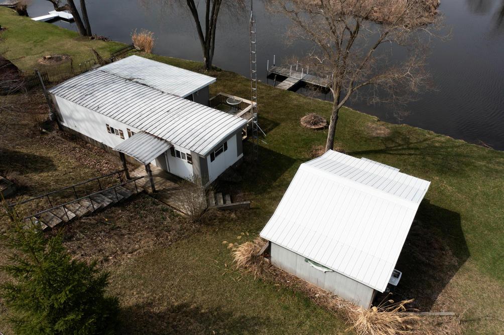 17789 Lost Lake Rd Barryton, MI 49305
