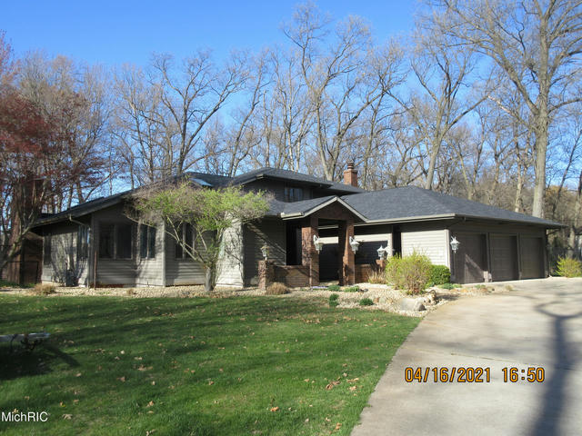 17052 Limberlost Rd Three Rivers, MI 49093