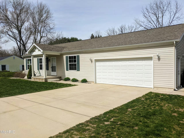 684 Lighthouse Dr Coldwater, MI 49036
