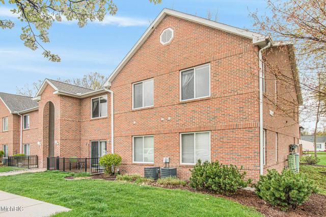 3021 Birch Row 5 Dr East Lansing, MI 48823