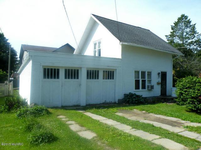 506 Avery St Lowell, MI 49331
