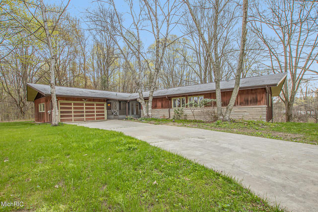 57398 60th Ave Lawrence, MI 49064