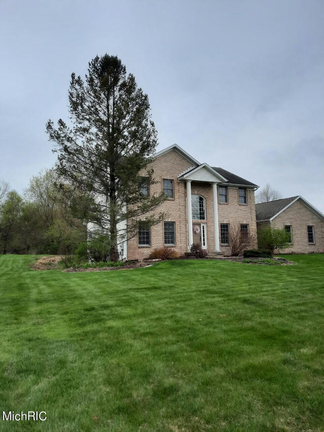 4777 Sunflower Ridge Ne Dr Ada, MI 49301