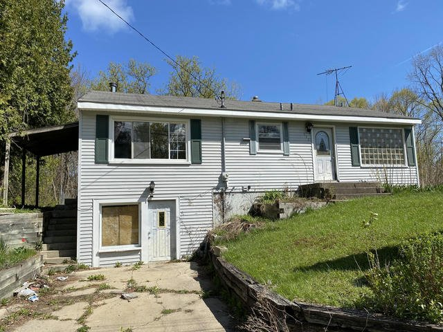111 Mabel Nw St Comstock Park, MI 49321
