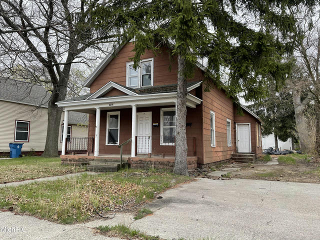 2416 Sanford St Muskegon Heights, MI 49444